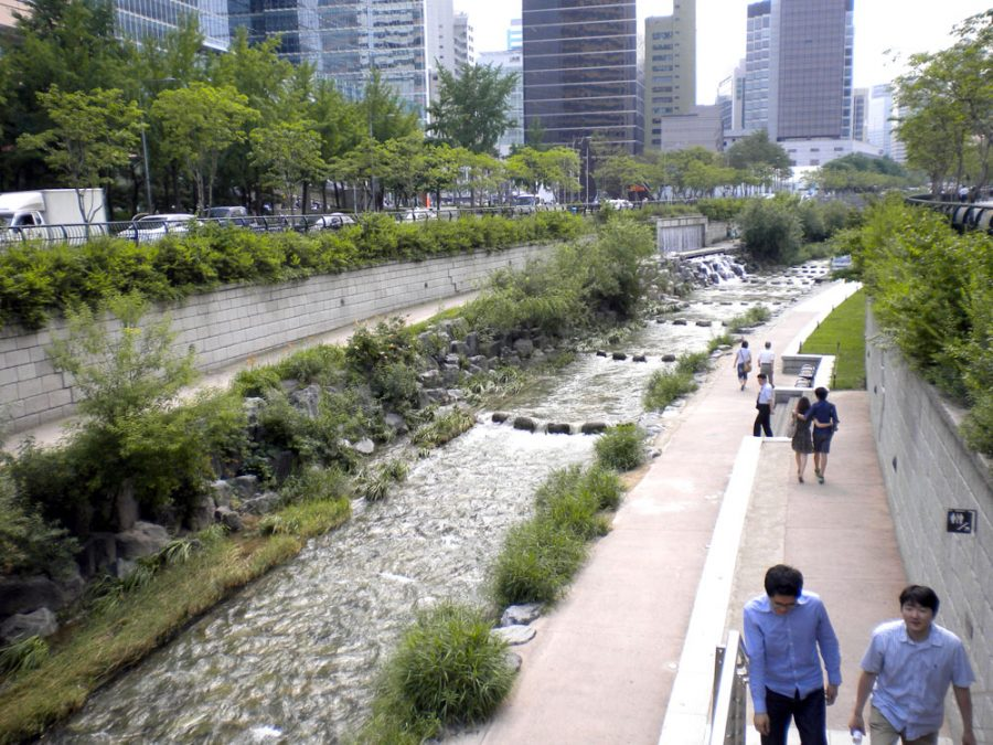Seoul Cheonggyecheon View Crossings