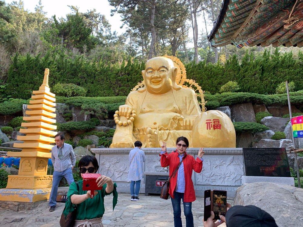 Busan Haedong Yonggungsa Buddha Selfies