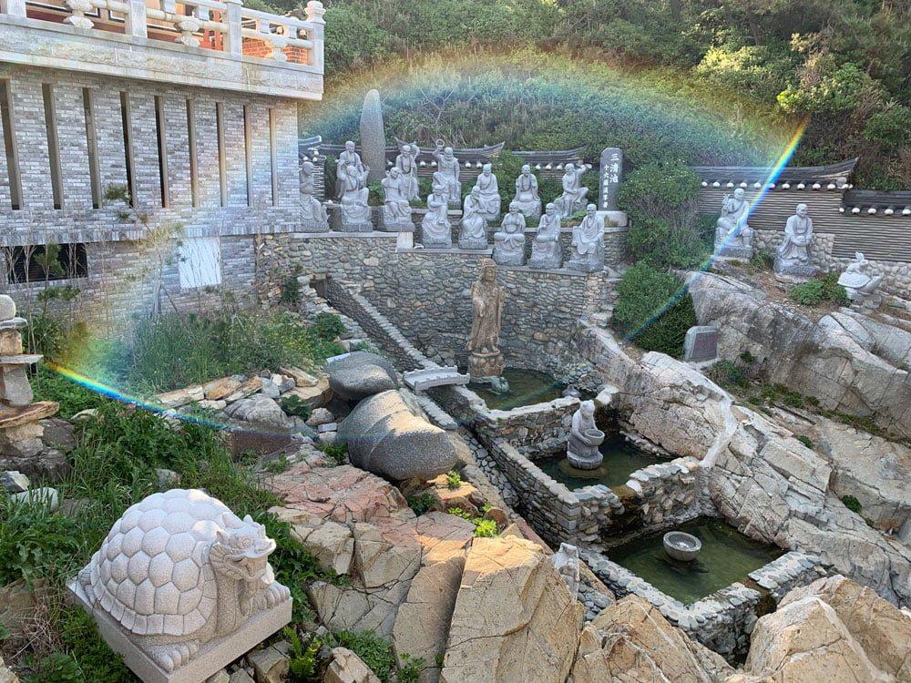Busan Haedong Yonggungsa Statues