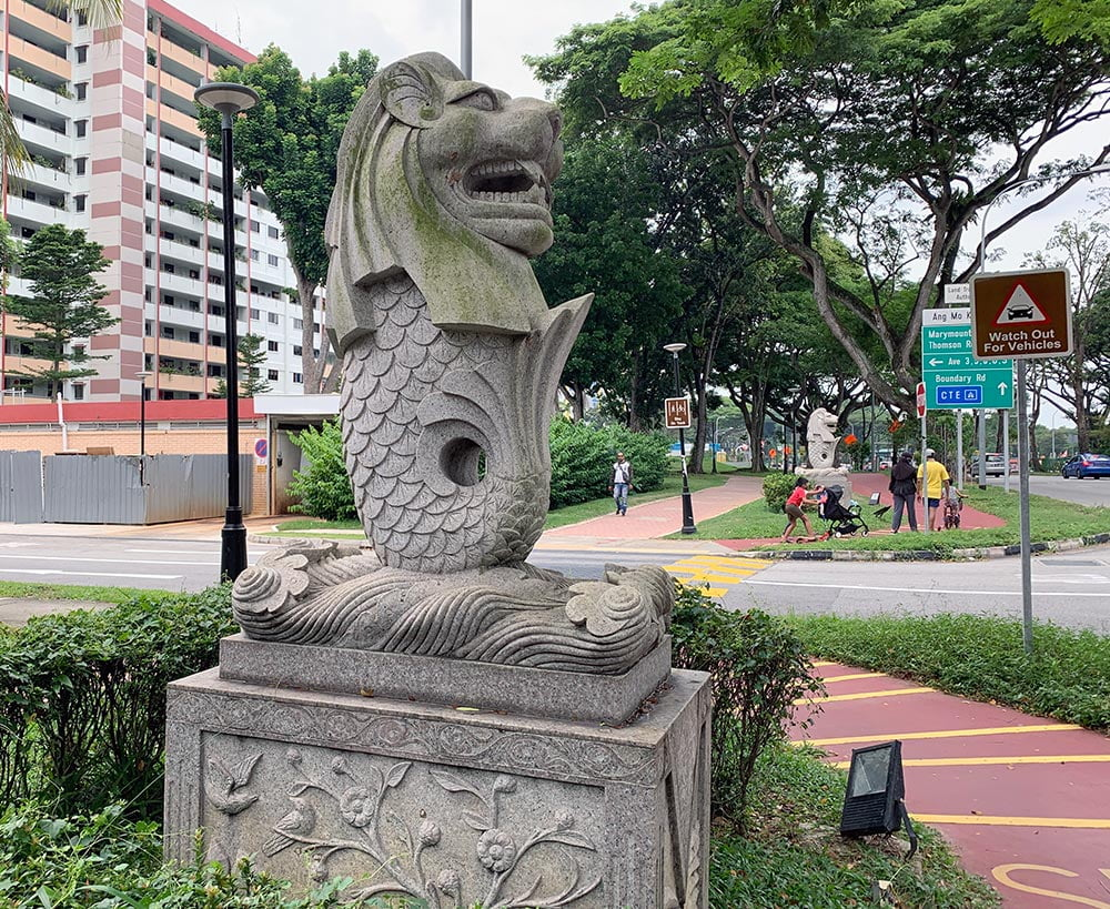 Merlion statues in Ang Mo Kio